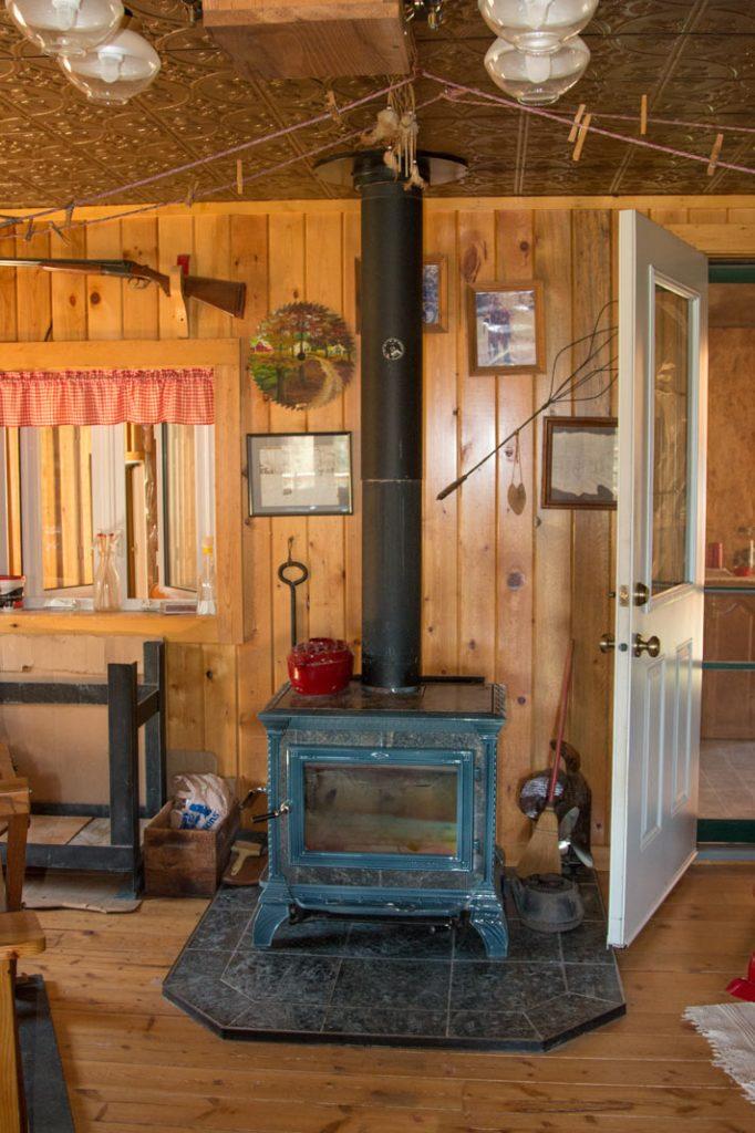Montana-Breaks-Cabin-10